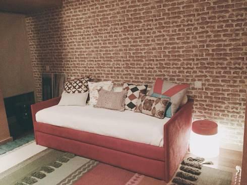 Casa Luanda: Quartos modernos por Santiago   Interior Design Studio