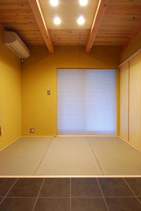 Bedroom by 豊田空間デザイン室 一級建築士事務所