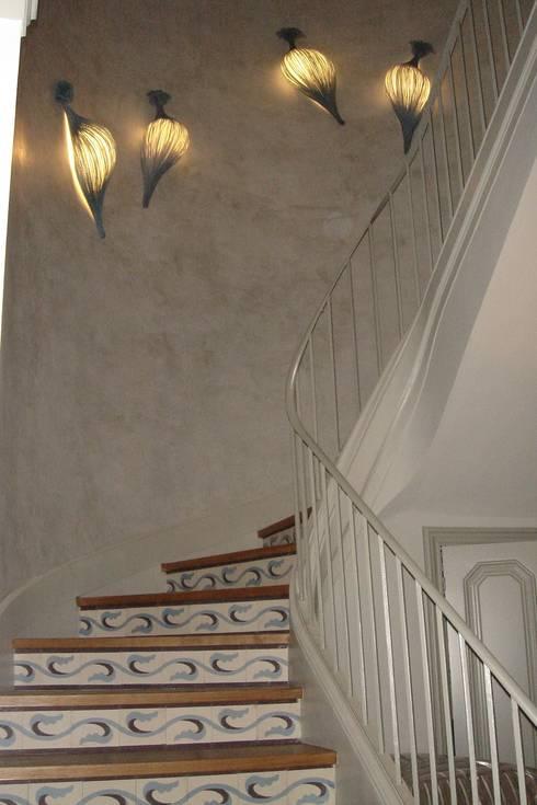 Escalera DESPUES:  de estilo  de Imma Carner Arquitectura Interior