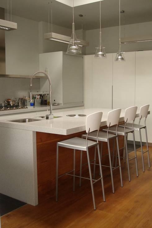 Cocina DESPUES:  de estilo  de Imma Carner Arquitectura Interior