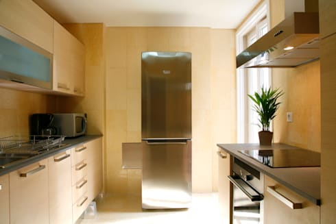 Reabilitação Apartamento Chiado: Cozinhas modernas por Architecture Tote Ser