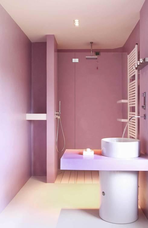 Ristrutturazione casa colonica: Bagno in stile  di CuboBianco