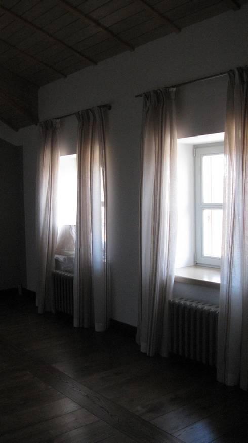 Частный дом: Окна и двери в . Автор – Архитектор Владимир Калашников