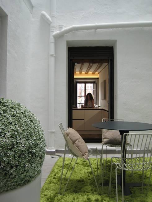 Giardino in stile in stile Minimalista di Rooms de Cocinobra