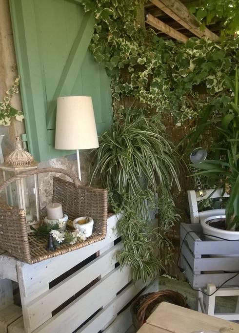 Jardines de invierno de estilo mediterraneo por VIVERE IL FUORI