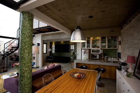 Apartamento Abilio Soares: Salas de jantar modernas por Maristela Faccioli Arquitetura