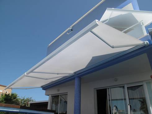 Terrazas, toldos y pérgolas: Jardín de estilo  de SISTEMAS GAHM SL