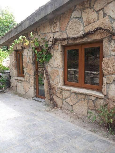 rustikale Fenster & Tür von SISTEMAS GAHM SL