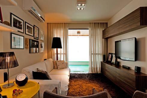 Apto – Parque São Jorge: Salas de estar modernas por tcarvalho