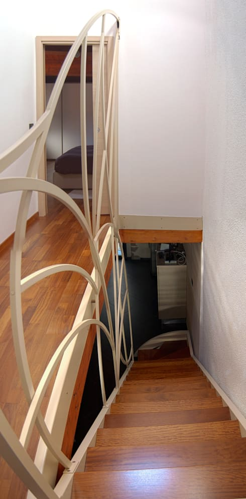 Corridor, hallway & stairs  by Studio Architettura Arch. Francesca Tronci