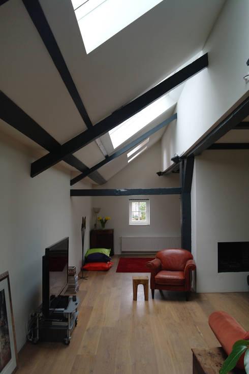 woonkamer nieuw:   door Studio Blanca