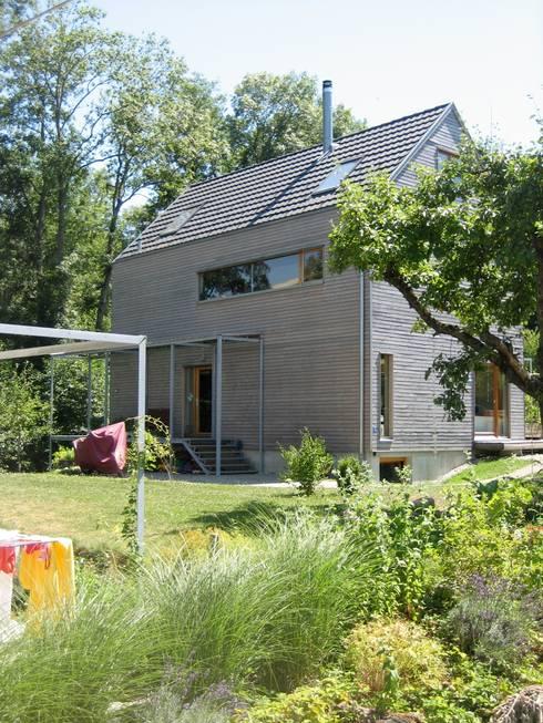 Sägenösch: moderne Häuser von WERKHAUS Architekten Ingenieure