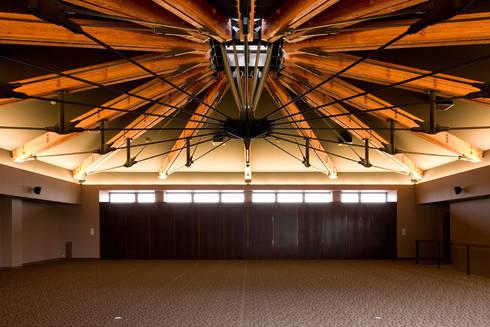 松屋呉服店 絹小町: 濱田修建築研究所が手掛けたオフィススペース&店です。
