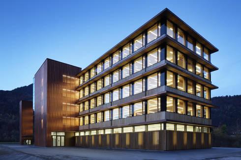 Kupferfassade von Spiegel Fassadenbau:  Bürogebäude von Spiegel Fassadenbau