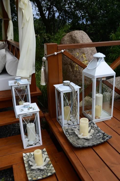 Dekoracje ogrodowe.: styl , w kategorii Ogród zaprojektowany przez CAROLINE'S DESIGN