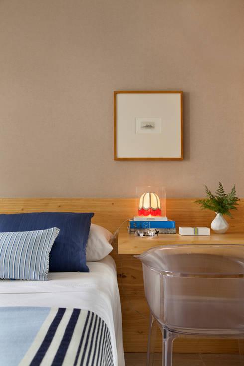 Projekty,  Sypialnia zaprojektowane przez Yamagata Arquitetura
