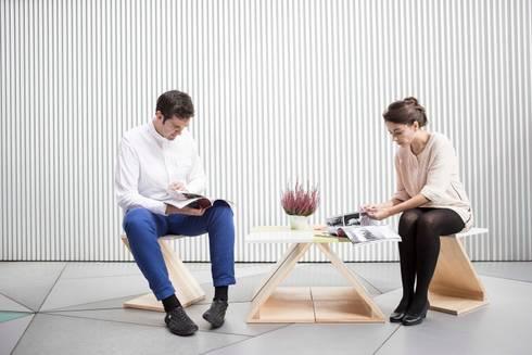 ZOO basic ( mesa central 4 piezas y 2 sillas): Hogar de estilo  de MAYICE