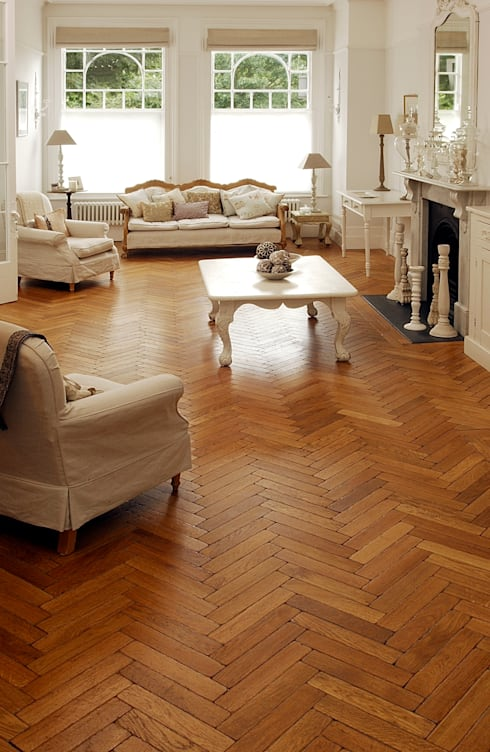 The Natural Wood Floor Company: klasik tarz tarz Duvar & Zemin