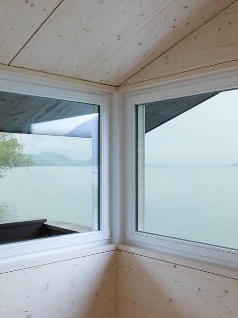 Ferienhausumbau in Leissigen:  Fenster von Oliver Brandenberger Architekten BSA SIA