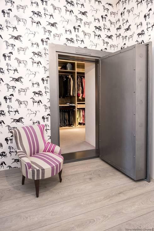 IN PLACE: Vestidores de estilo  de La Maison Barcelona