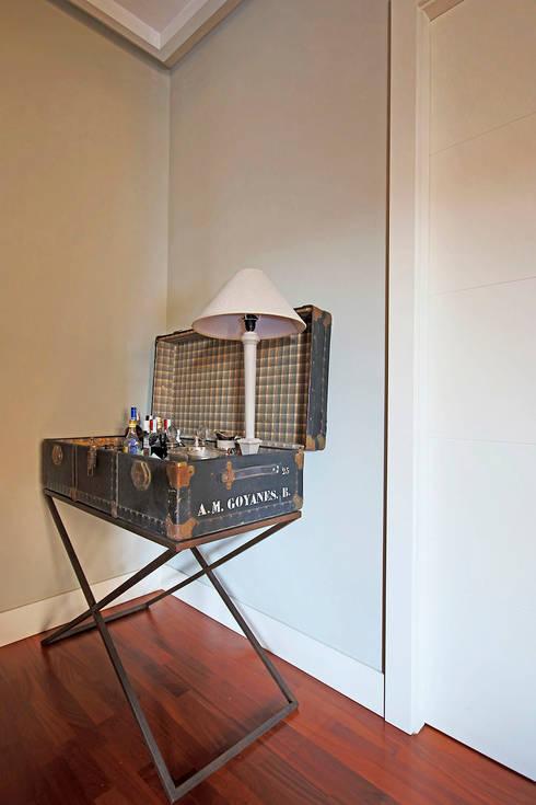 La pieza más especial de toda la casa.: Salones de estilo  de Vade Studio SC