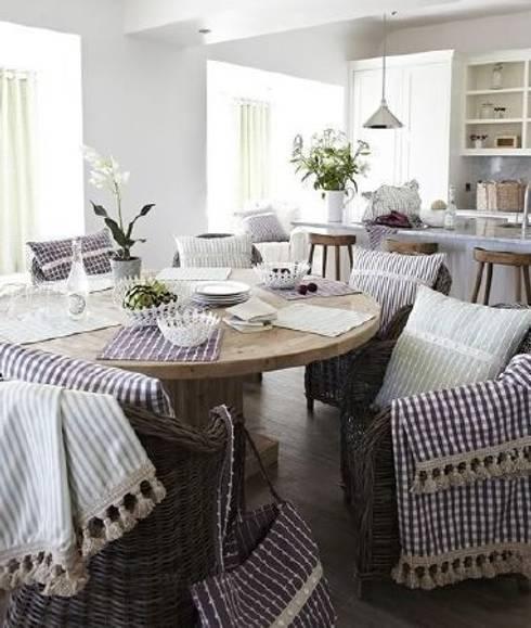 Sala da pranzo in stile  di Curtains Made Simple