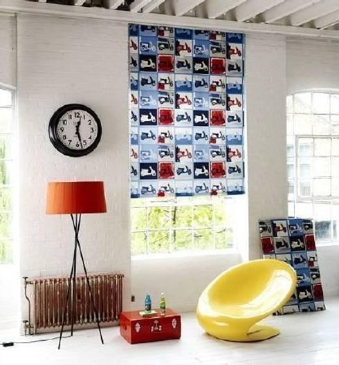 Soggiorno in stile  di Curtains Made Simple