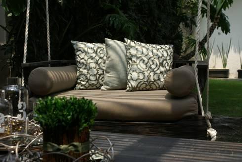Terraza: Balcones y terrazas de estilo ecléctico por Jacobs Interiorismo
