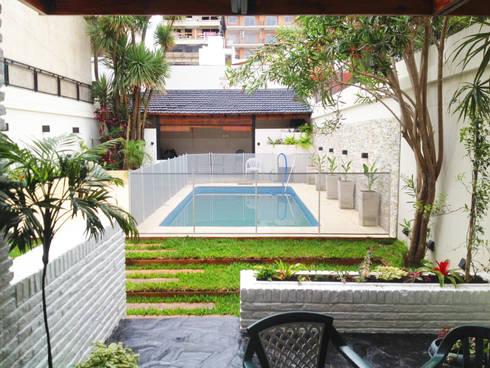 Reciclaje de un jardín con pileta descuidado: Jardines de estilo moderno por Estudio Nicolas Pierry: Diseño en Arquitectura de Paisajes & Jardines