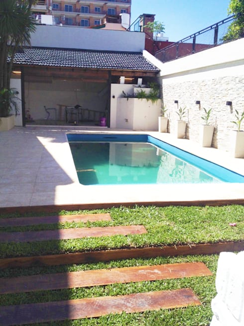 สระว่ายน้ำ by Estudio Nicolas Pierry: Diseño en Arquitectura de Paisajes & Jardines