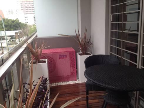 Balcón Rosado: Terrazas de estilo  por Estudio Nicolas Pierry: Diseño en Arquitectura de Paisajes & Jardines