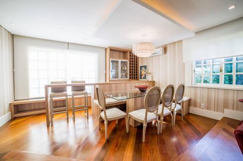 Sala de Jantar / Estar: Salas de jantar modernas por Liana Salvadori Arquitetura e Interiores