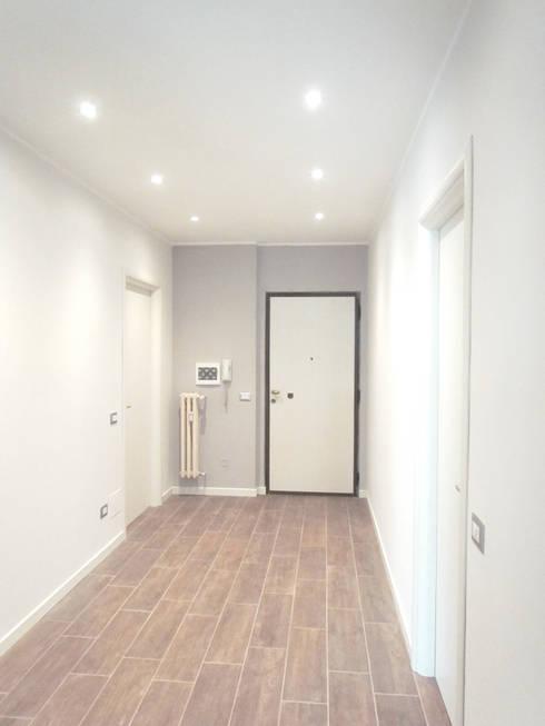 Ristrutturazione completa colori porte e illuminazione di easy relooking homify - Illuminazione ingresso casa ...
