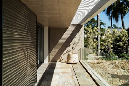 Residência MG: Terraços  por Reinach Mendonça Arquitetos Associados