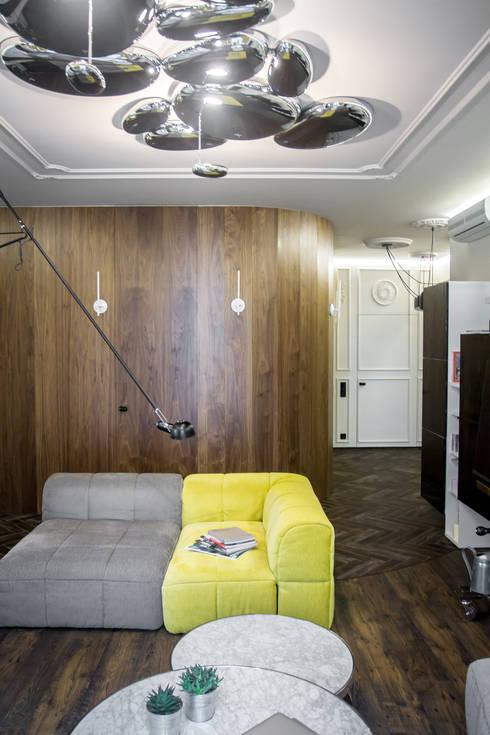 eclectic Living room by ToTaste.studio