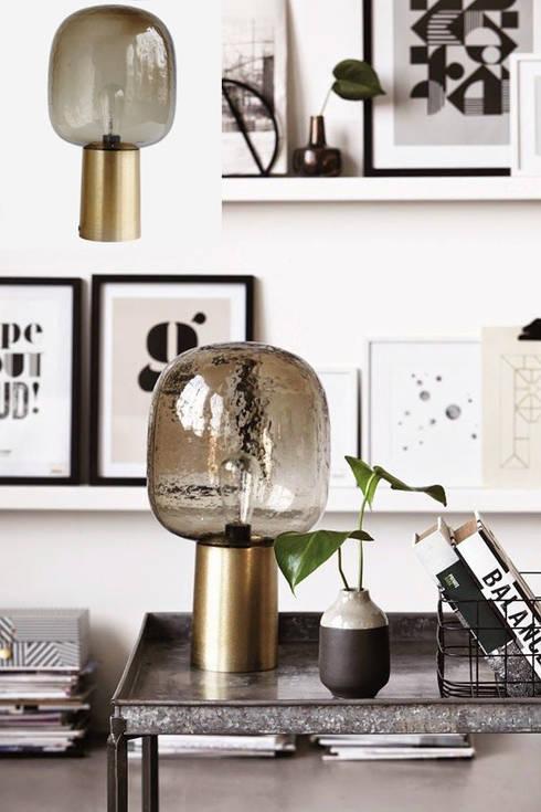 .: Salones de estilo escandinavo de Muebles Capsir