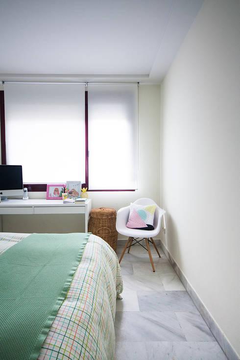 Detalle de dormitorio: Dormitorios de estilo moderno de www.rocio-olmo.com