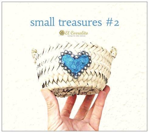 SMALL TREASURES BLUE: Hogar de estilo  de El Corralito de TARIFA RAK
