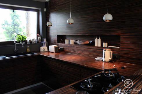 HABAN: styl , w kategorii Kuchnia zaprojektowany przez Kołodziej & Szmyt Projektowanie wnętrz