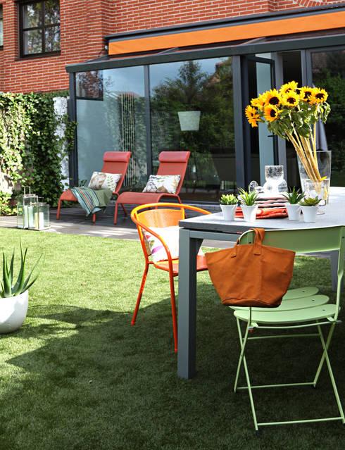 Jardins modernos por Bescos-Nicoletti Arquitectos
