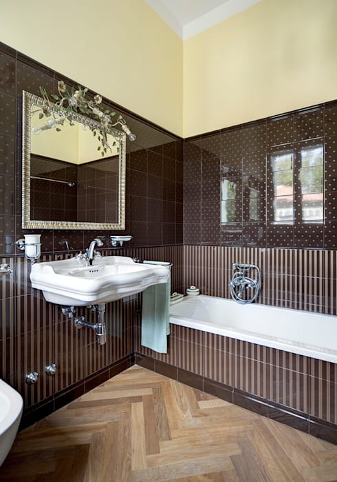 Baños de estilo clásico de Astudioarchitetti