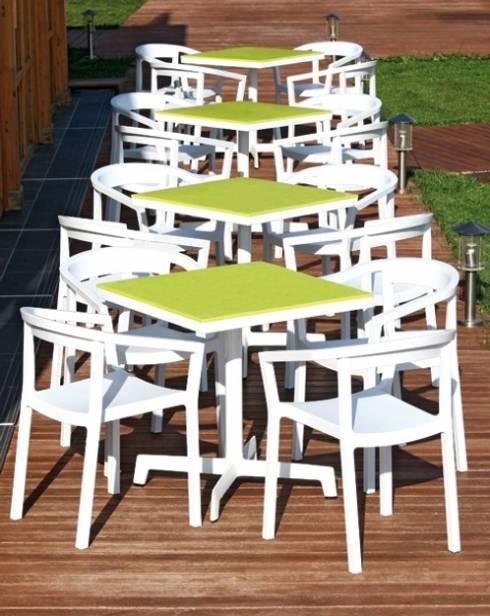 Jardín de estilo  por DecoMania.pl