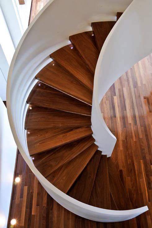 Escada: Corredores e halls de entrada  por Maurício Queiróz