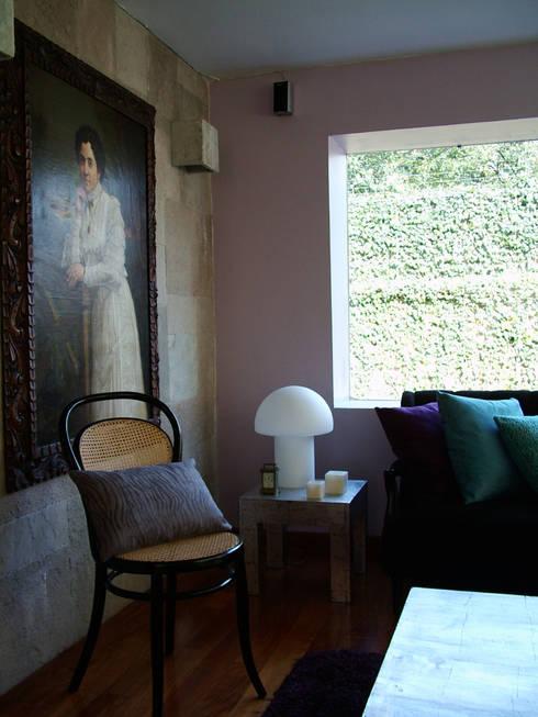 Del Sol Decor, Mexico City. 2010: Salas de estilo ecléctico por Erika Winters® Design
