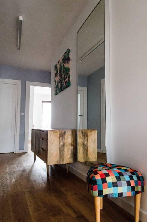 mieszkanie pomiędzy miastami | between big cities: styl , w kategorii Korytarz, przedpokój zaprojektowany przez Studio Malina