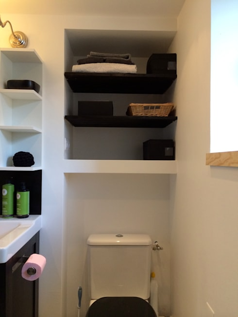 Etagères salle de bain: Salle de bain de style de style Moderne par Atelier d'Ersu & Blanco