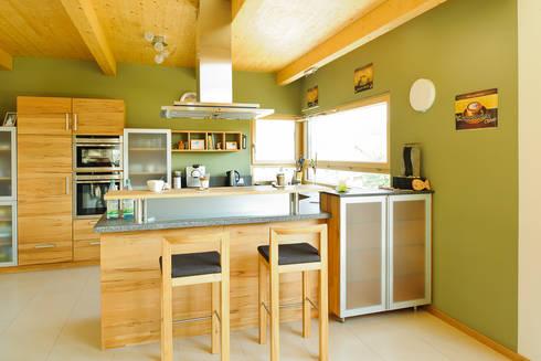 Wohnhaus W. in Nüdlingen: landhausstil Küche von Achtergarde + Welzel Architektur + Interior Design
