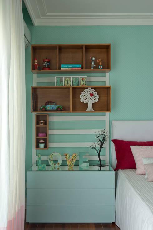 Detalhes decorativos: Quarto de crianças  por Vilma Massud Design de Interiores