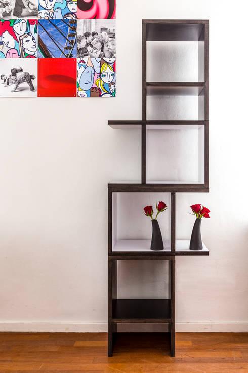 kwartkuub zwart-wit: moderne Woonkamer door Meubelmakerij Luitjens