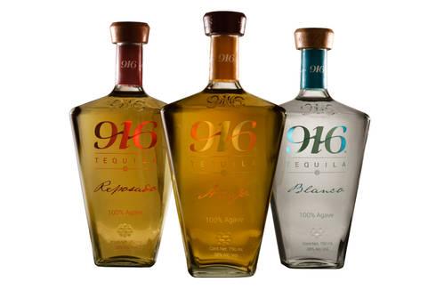 Botella Tequila 916 reposado, añejo y blanco: Arte de estilo  por Disémica